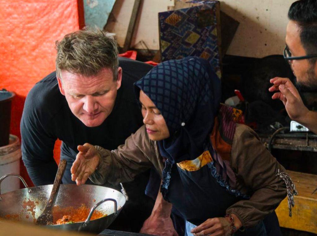 Gordon Ramsay Uncharted di Indonesia, Cicip Durian Sampai Masak Rendang