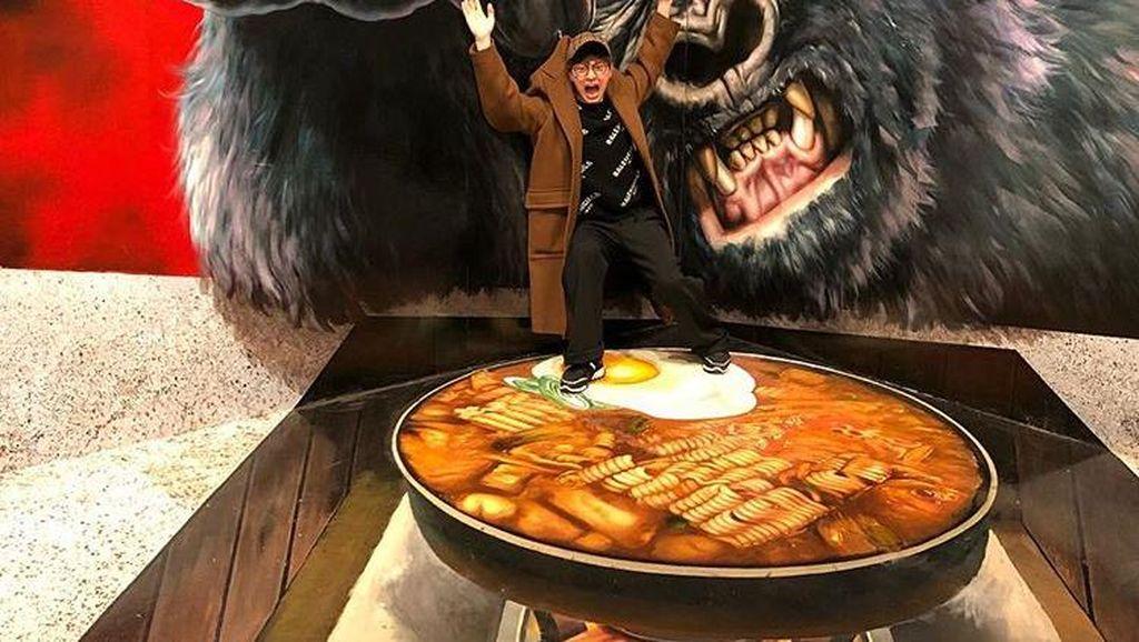 Main di Mystic Pop-up Bar, Yook Sungjae Punya Hobi Mancing Ikan