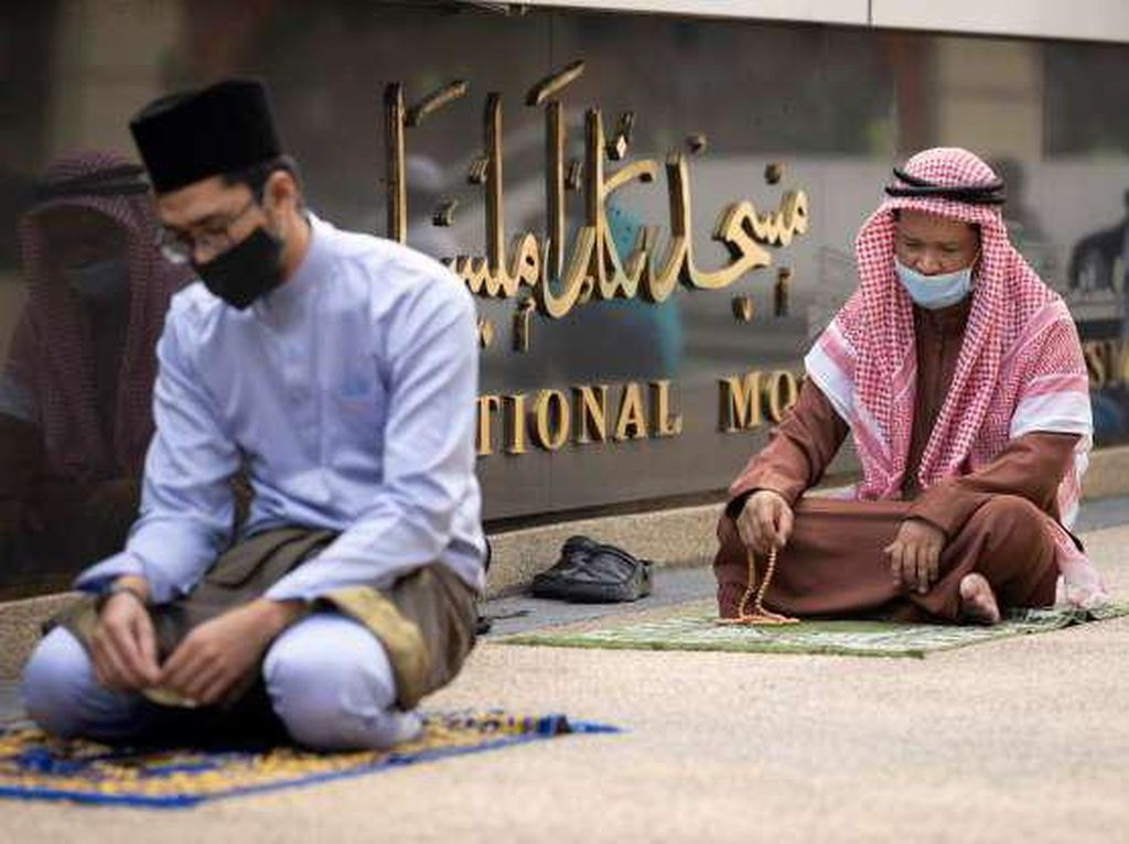 Contoh Poster dan Ucapan Tahun Baru Islam 1442 H