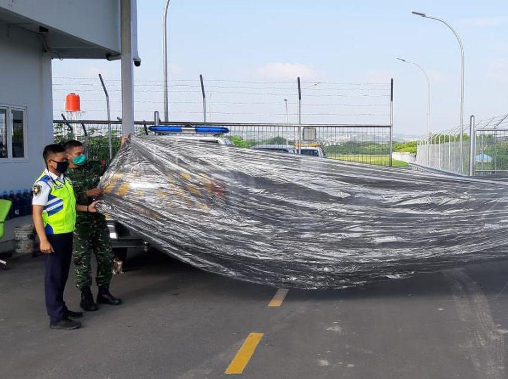 Begini Penampakan Balon Udara yang Jatuh di Bandara Semarang