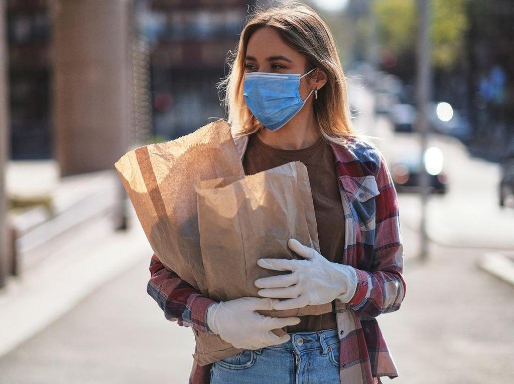 5 Penyebab Bau Mulut saat Menggunakan Masker