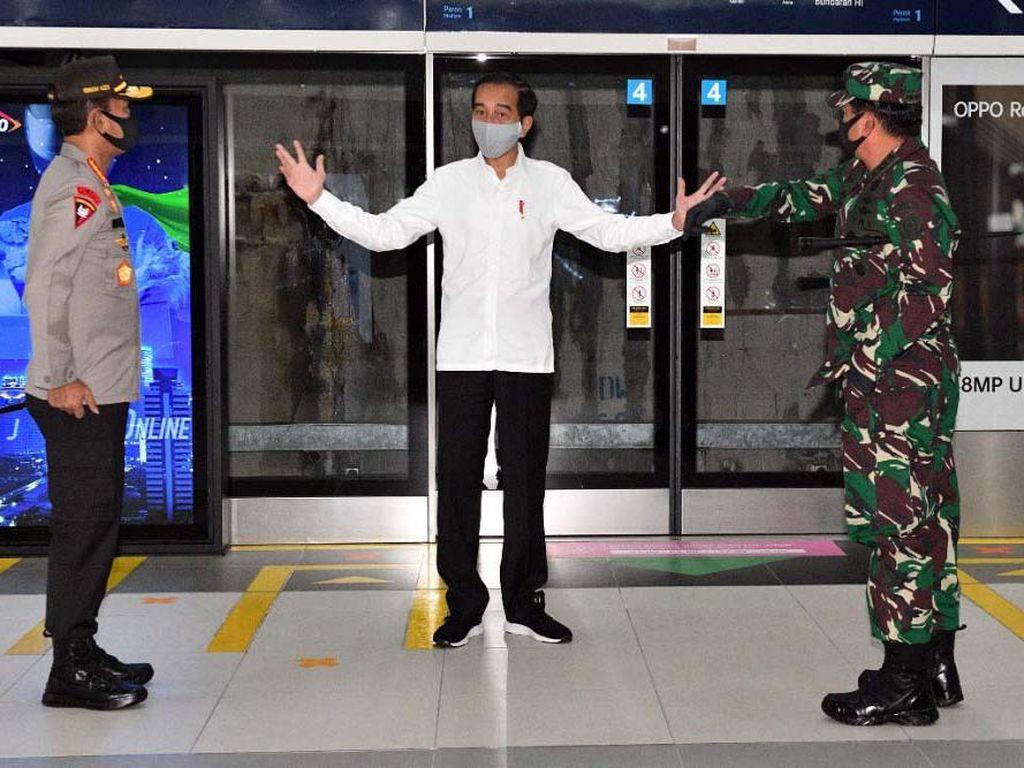 Cek Mal di Bekasi, Jokowi Minta TNI/Polri Ada di Setiap Keramaian