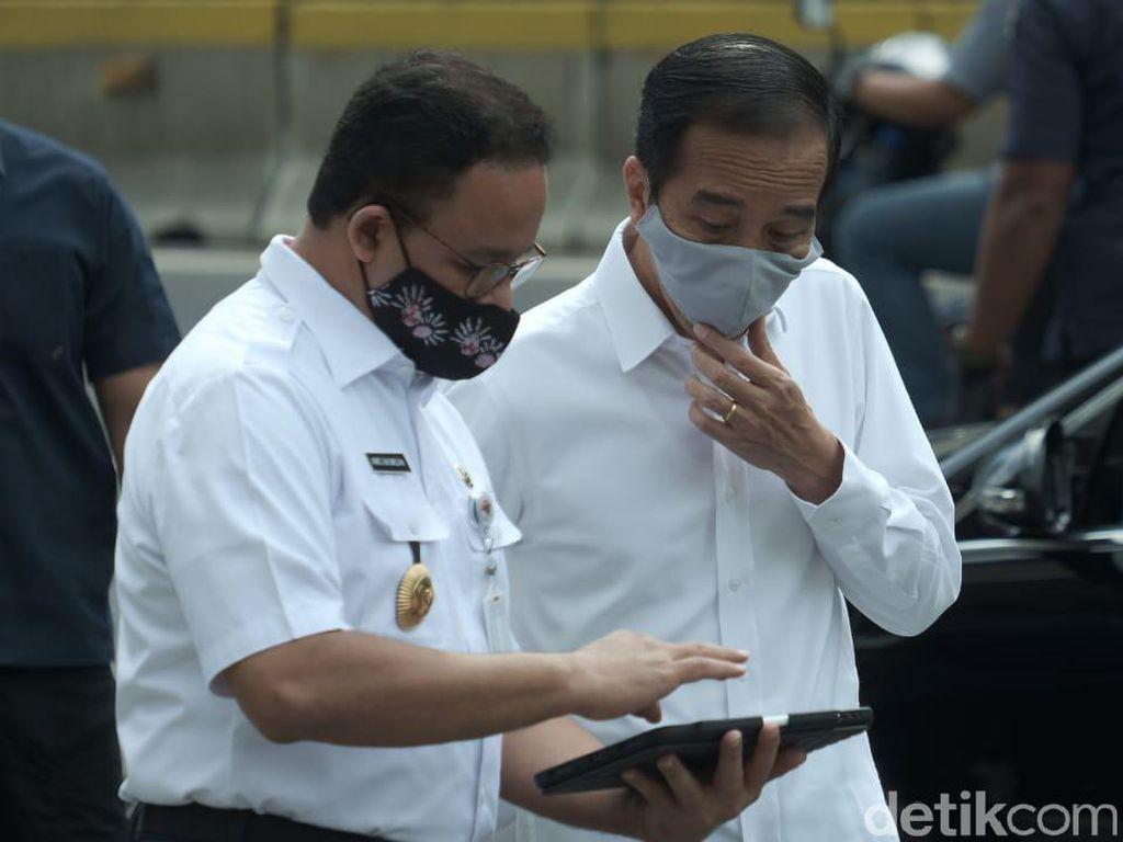 Anies Ajak Masyarakat Dukung Jokowi Atasi Corona: Beban Presiden Tak Kecil