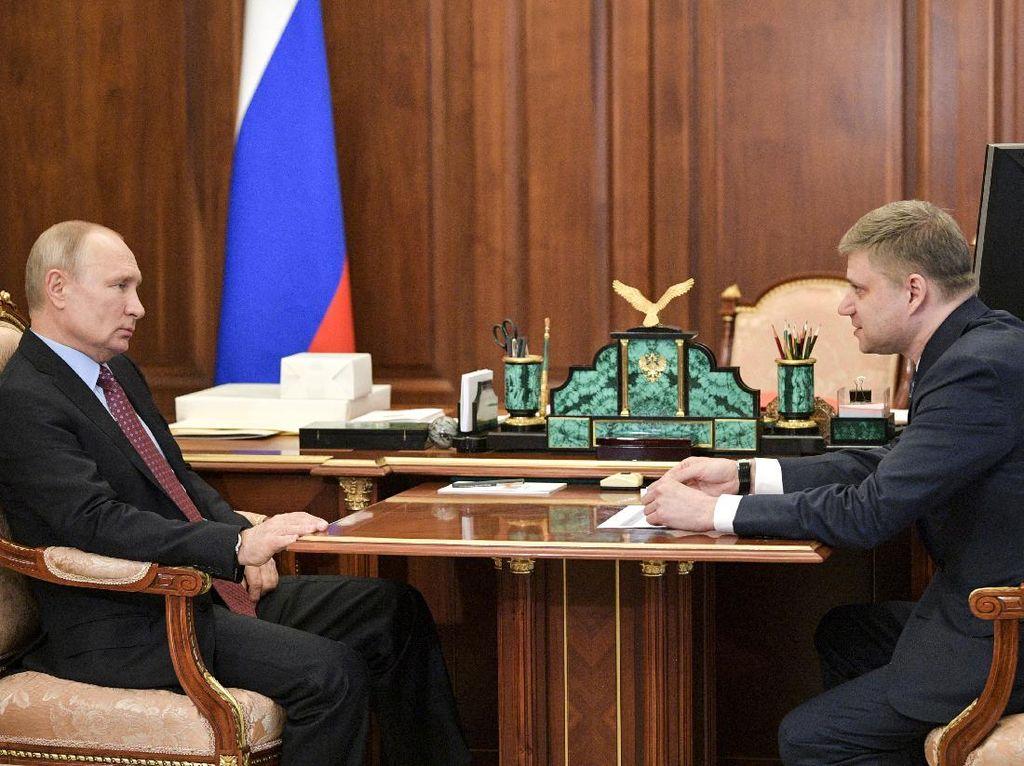 Vladimir Putin Murka ke Gubernurnya Karena Abai Pencemaran Lingkungan
