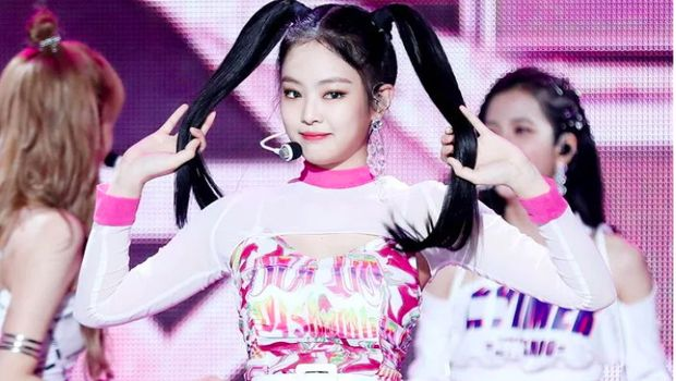 Jennie BLACKPINK pakai baju samaan dengan Seulgi Red Velvet