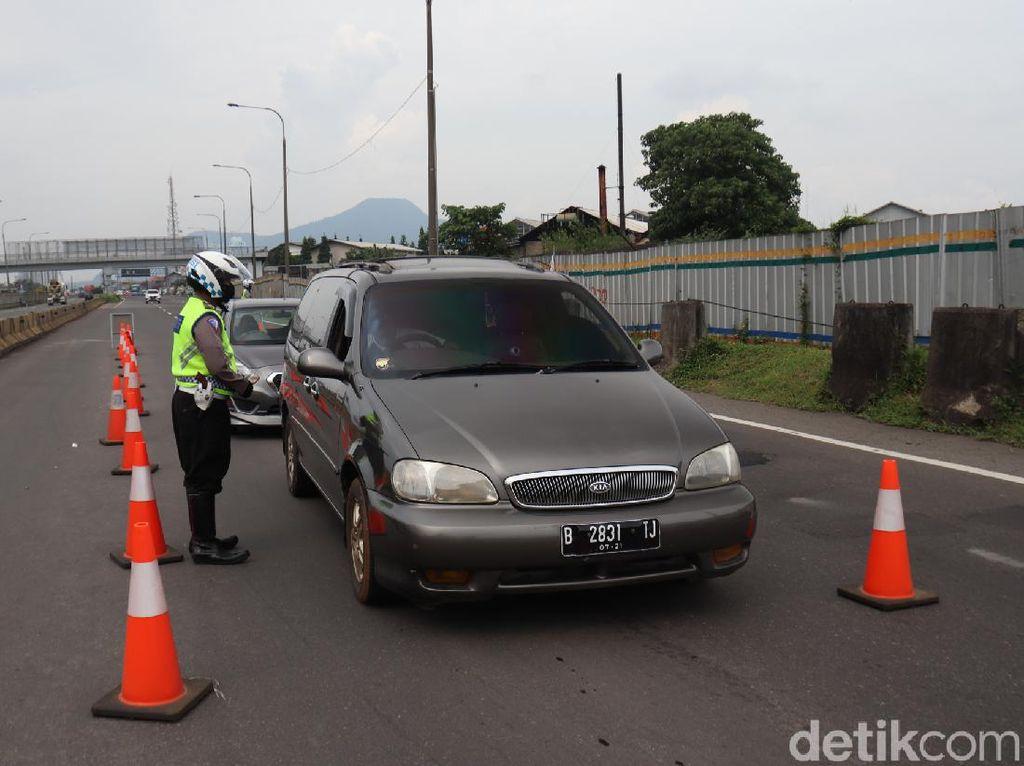 5.363 Kendaraan Dihalau Masuk ke Perbatasan Jabar Selama PSBB