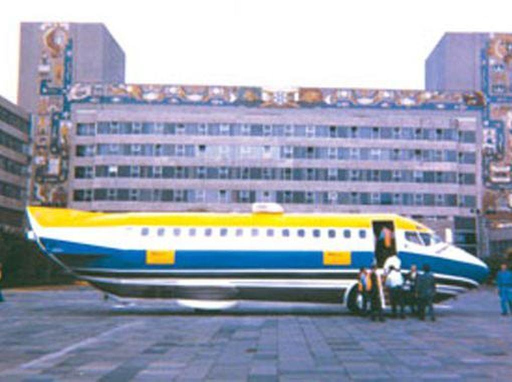 Ekor dan Sayap Dicukur, Pesawat Boeing Ini jadi Bus Mewah
