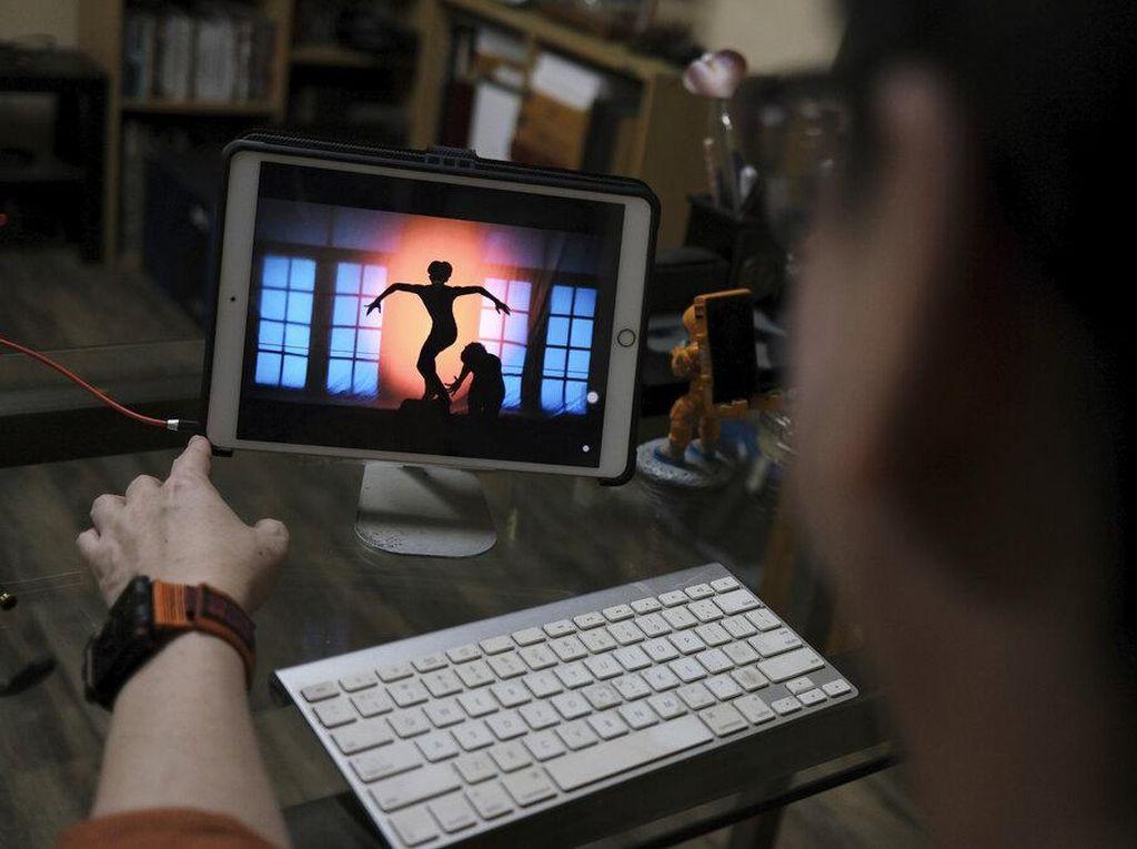 Nasib Penari Indonesia Ngamen Online di Tengah Pandemi