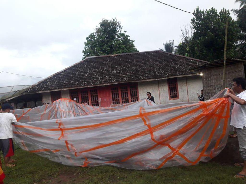 Balon Udara yang Jatuh di Cianjur Diduga Terbawa Angin dari Jatim