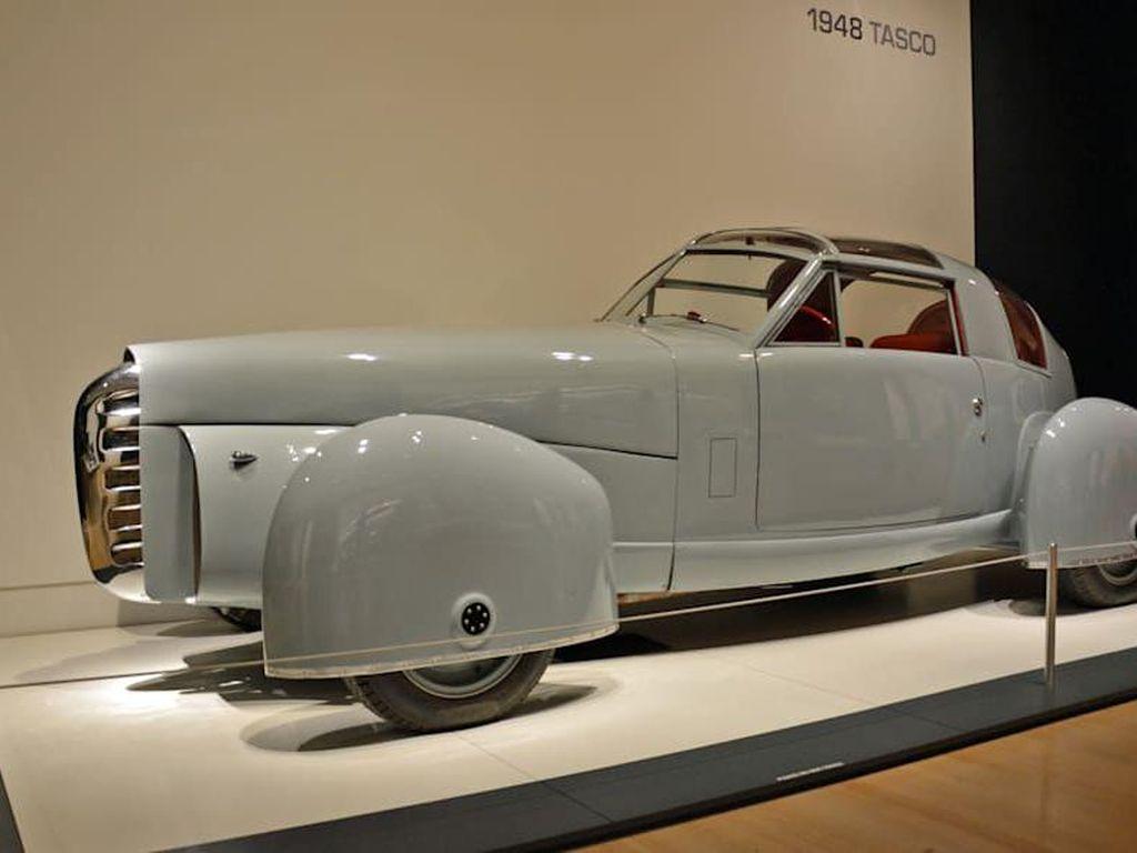 Mobil Jadul Ini Terinspirasi dari Pesawat