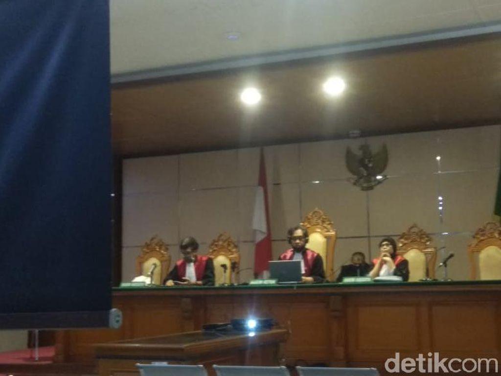 Korupsi Rp 4,9 M, Eks Dirut PJT II Purwakarta Divonis 5 Tahun Bui