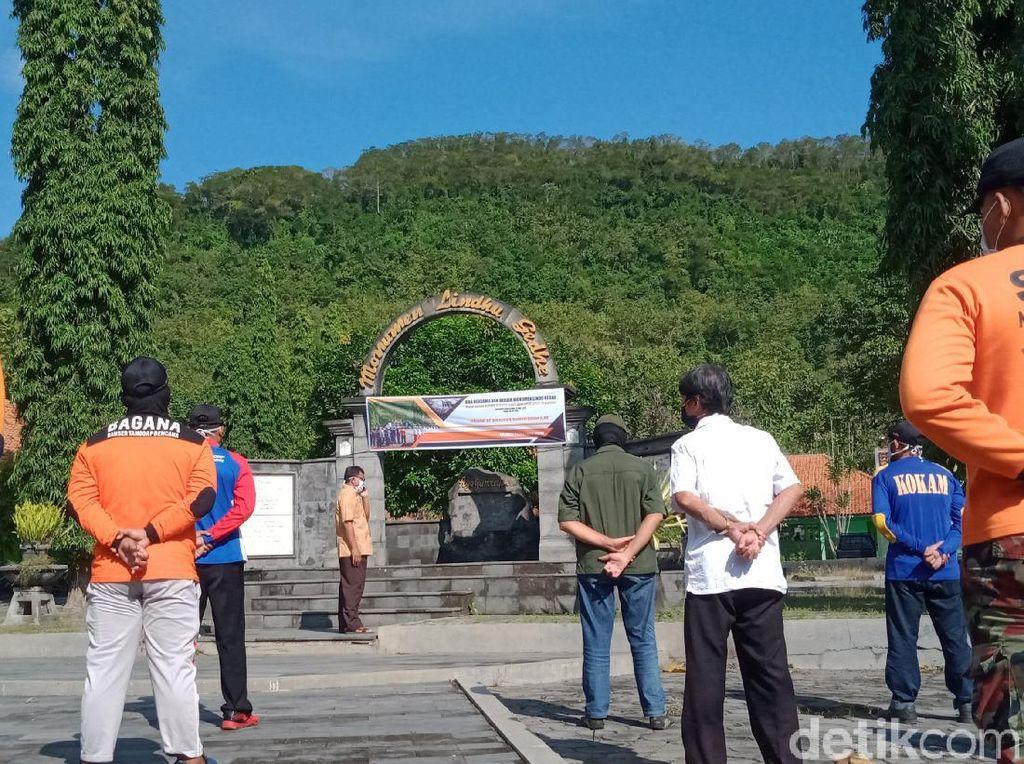 #14TahunGempaJogja, Warga Klaten Doa Bersama di Monumen Lindu Gede