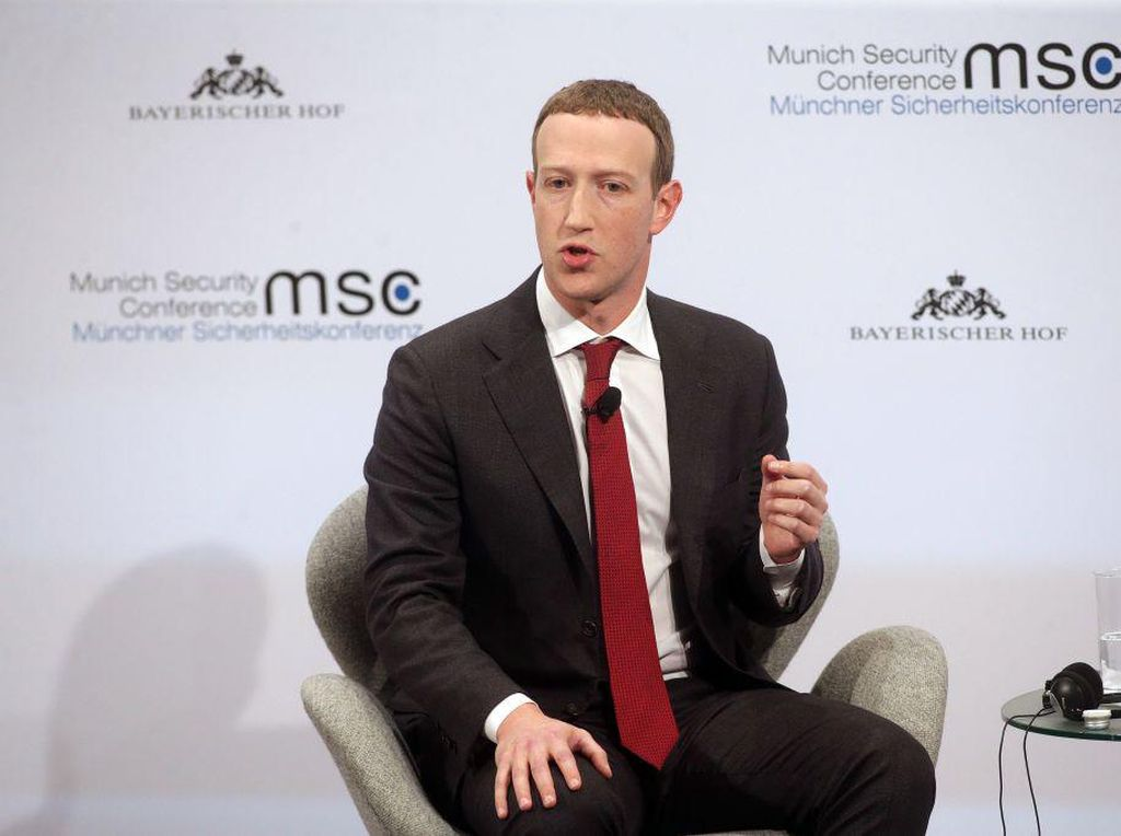 Mark Zuckerberg Bujuk Pemerintah Selidiki Apple