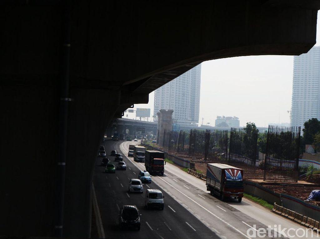 422 Ribu Kendaraan Mengarah ke DKI Sejak H+2 Lebaran Via Tol