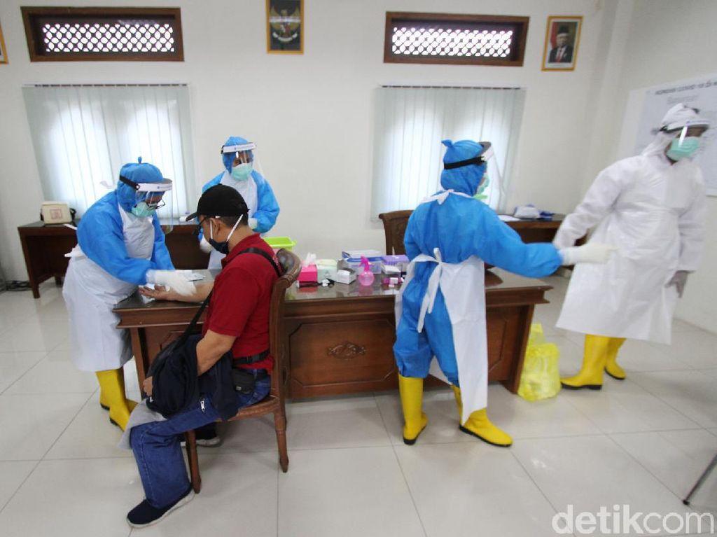 Pemeriksaan Spesimen Covid-19 di Indonesia Capai Rekor Tertinggi