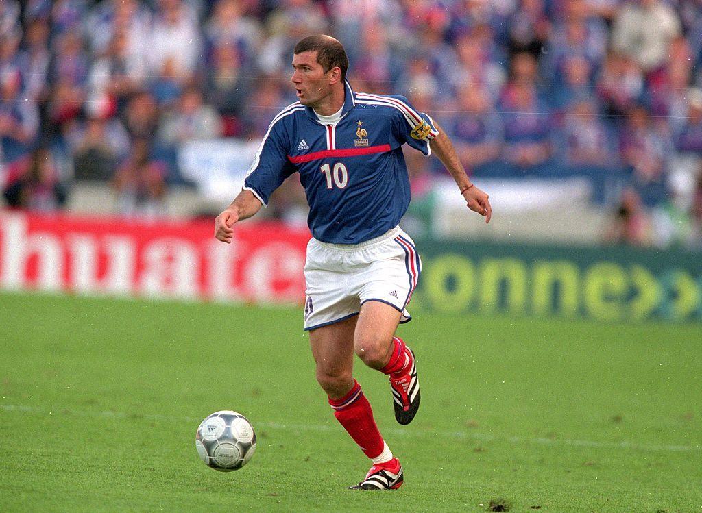 Zinedine Zidane yang sukses bersama timnas Prancis jadi idola Mbappe