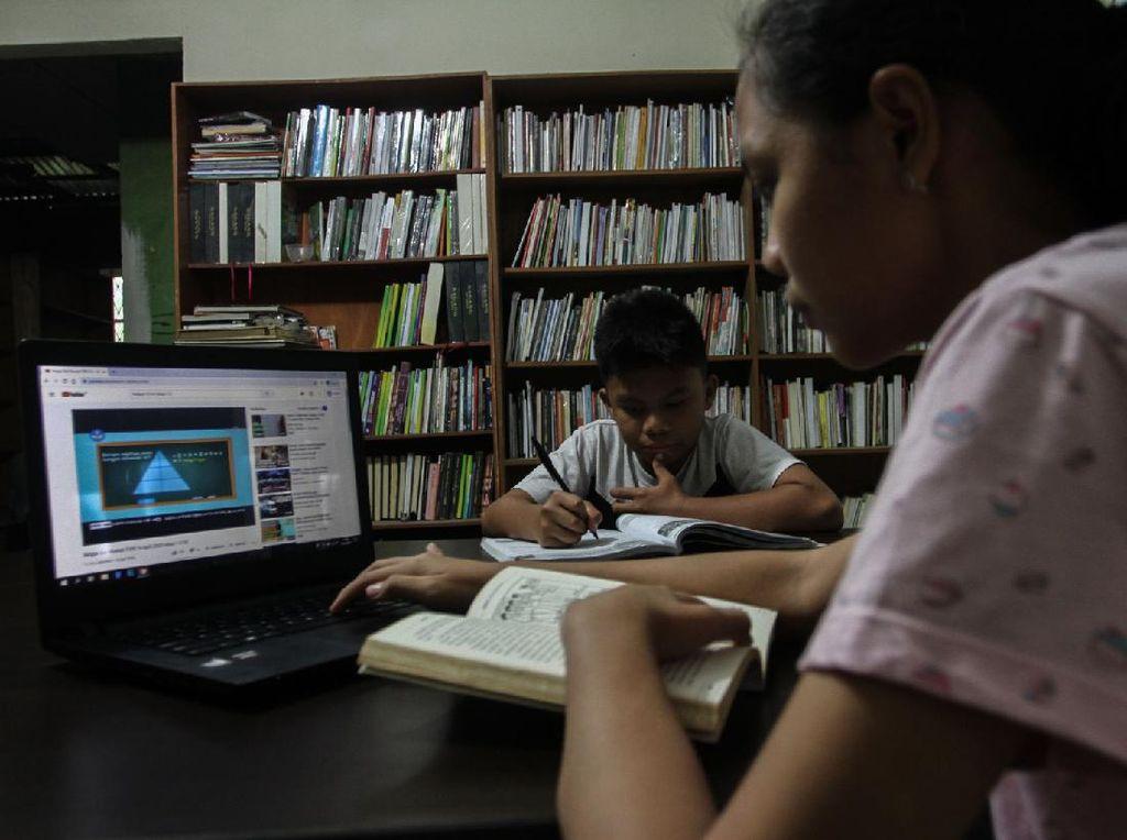 Kemendikbud Tegaskan Tak Ada Rencana Peleburan Mata Pelajaran Agama-PPKN