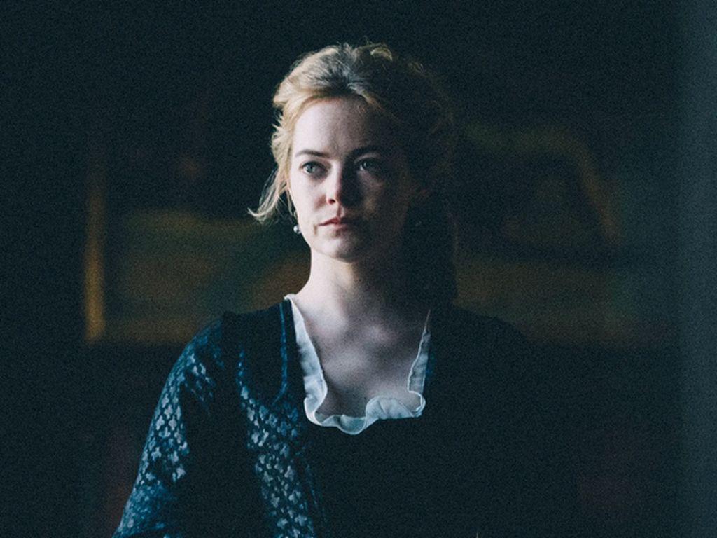 Cerita Emma Stone yang Organ Tubuhnya Geser karena Syuting Pakai Korset