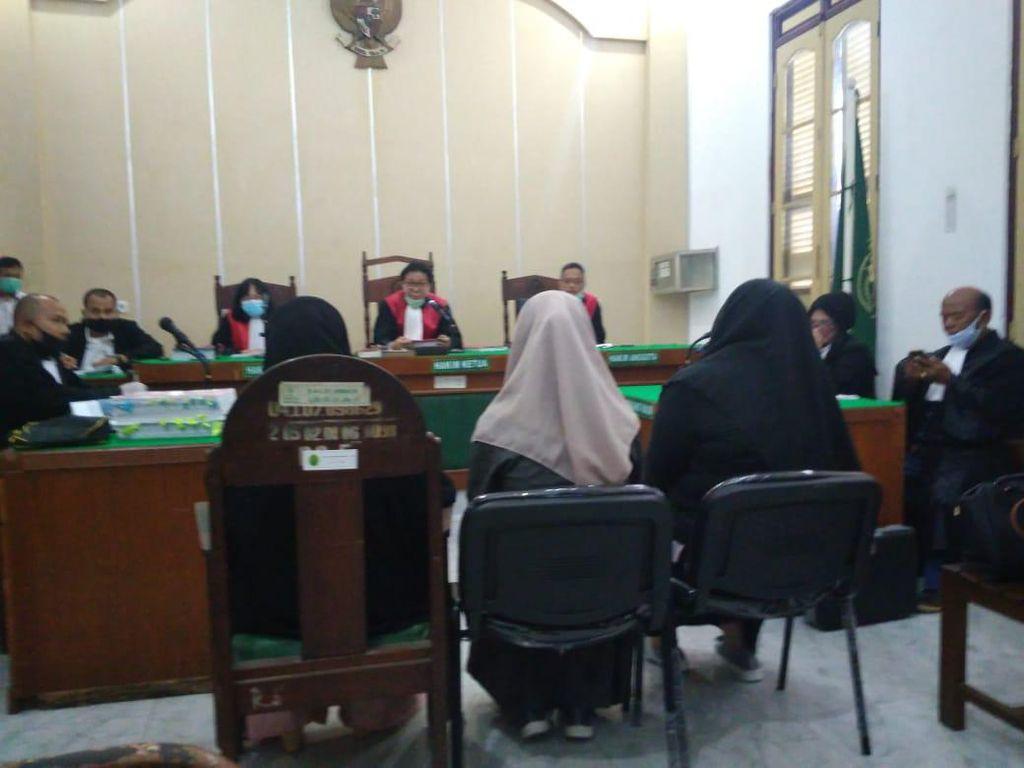 Cerita Adik Zuraida Hanum Pernah Diganggu Hakim Jamaluddin
