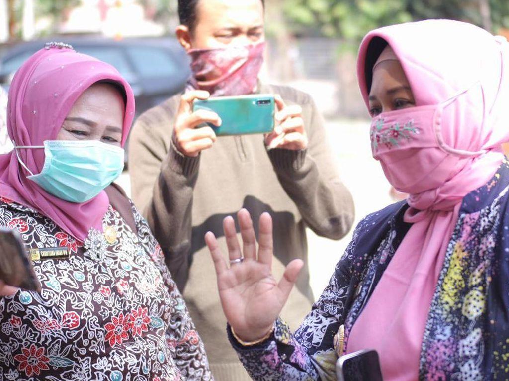 Kado Lebaran Wali Kota Mojokerto untuk Warga yang Dikarantina
