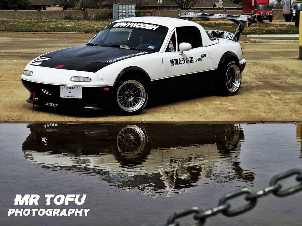 Wujud Mazda Miata Bergaya Mobil Tukang Tahu