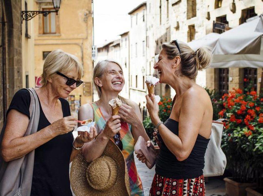 Lockdown Italia Berakhir, Warga Rayakan dengan Makan Gelato!