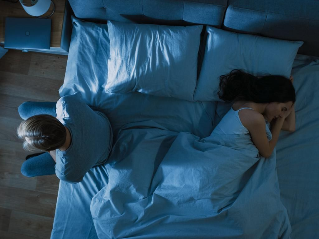 Bau Mulut hingga Cek HP, Mana yang Paling Bikin Istri Hilang Mood untuk Bercinta?