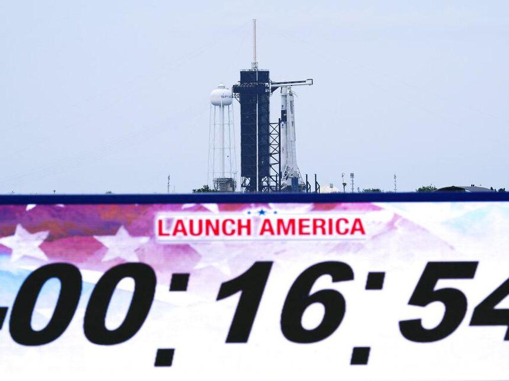 Peluncuran SpaceX Angkut Astronaut NASA Pecahkan Rekor Online