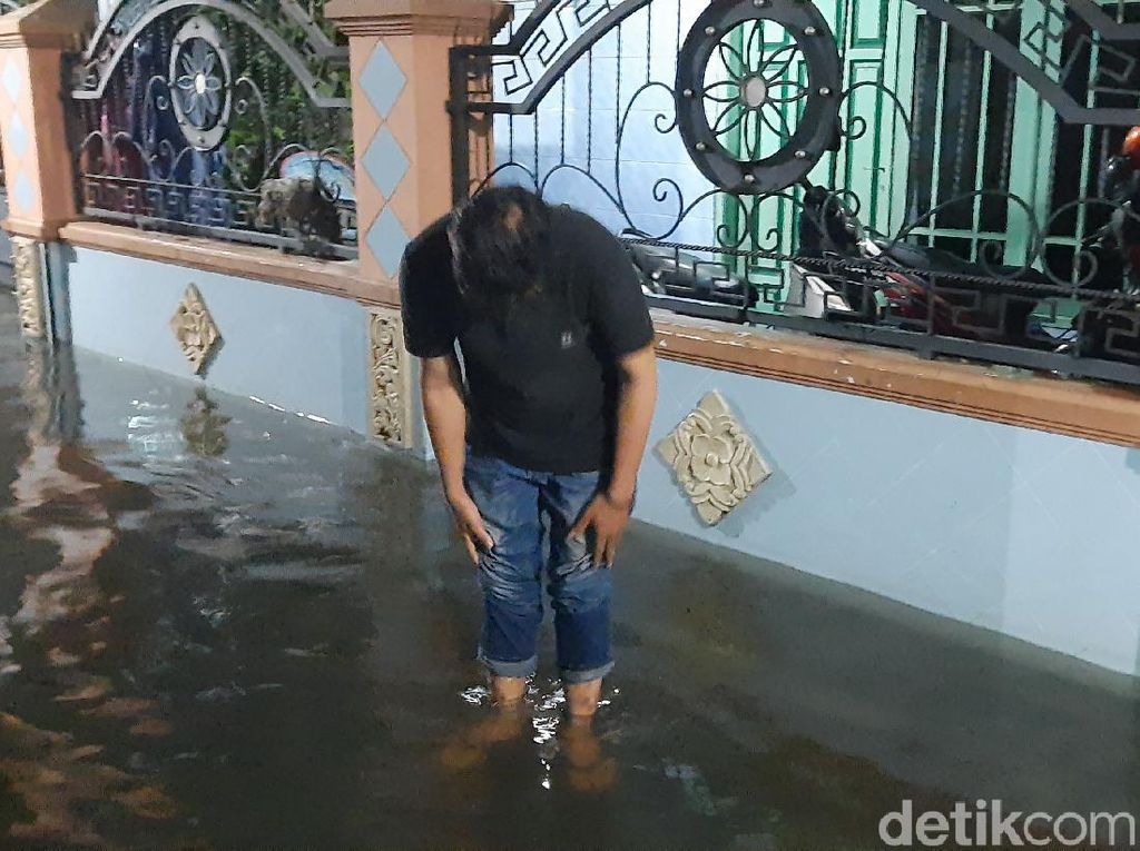 Hujan Reda Tapi Genangan di Rungkut Surabaya Belum Surut, Ini Penyebabnya