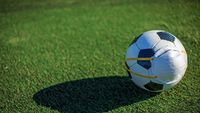 Pesepakbola Premier League Tak Perlu Pakai Masker di Stadion
