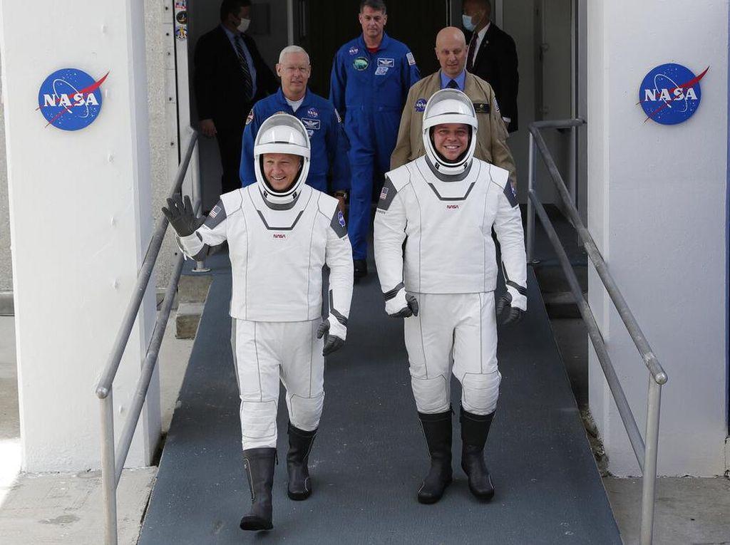 Nonton Misi Bersejarah NASA dan SpaceX Bisa Lewat YouTube