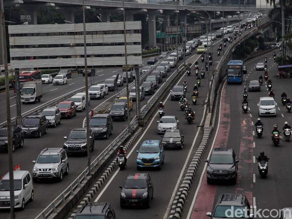Cegah Resesi, RI Harus Mulai New Normal?