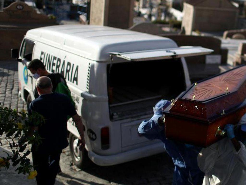 Brasil Catat 26.000 Kasus Corona Sehari, Ratusan Penumpang Telantar di Bandara