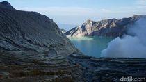 Ada Gelombang 3 Meter di Danau Kawah Ijen, 1 Penambang Belerang Hilang