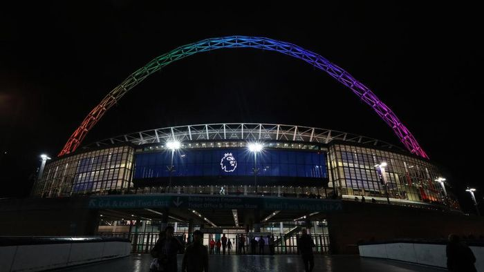 LONDON, ENGLAND - DECEMBER 05: A general view outside the stadium as the Wembley Arch shows the colours of the Stonewall Rainbow campaign above the Premier League logo ahead of the Premier League match between Tottenham Hotspur and Southampton FC at Wembley Stadium on December 5, 2018 in London, United Kingdom. (Photo by Catherine Ivill/Getty Images)