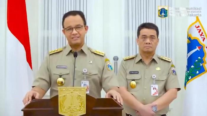 Gubernur DKI Anies Baswedan didampingi Wagub Riza Patria saat memberikan pesan untuk seluruh ASN di Pemprov DKI