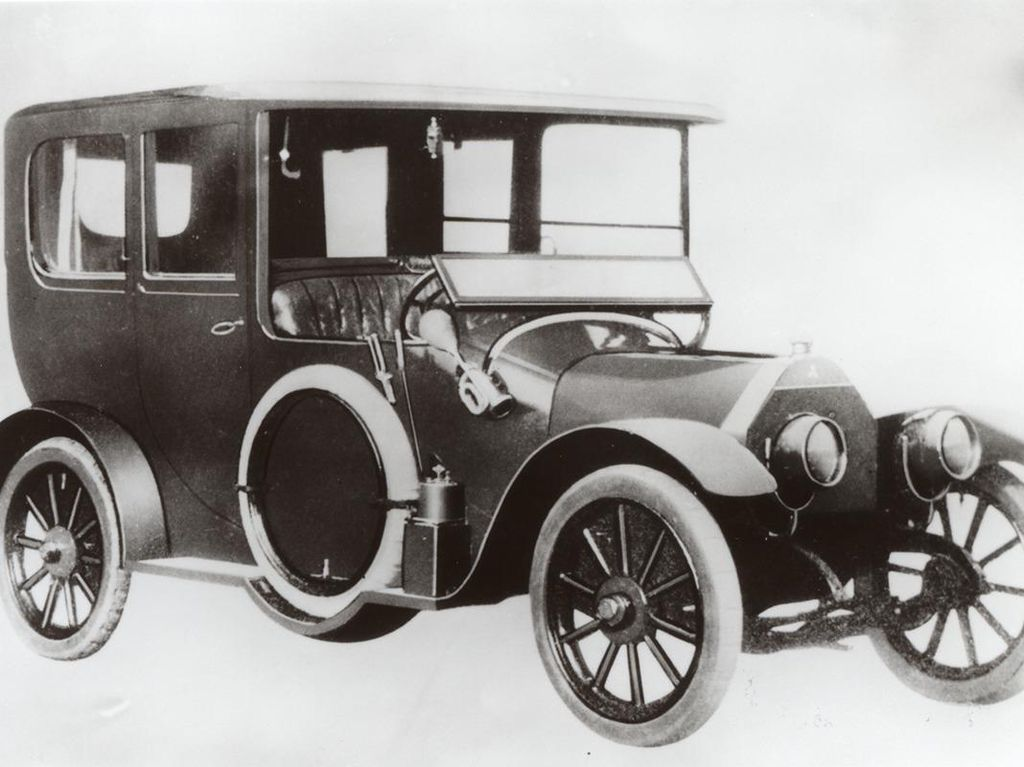 Kenalan dengan Mitsubishi Model A, Si Nenek Moyang Xpander dkk