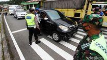Suasana Penyekatan Pemudik di Pintu Masuk Jawa Timur
