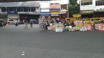 DKI Masih PSBB, Pasar Asemka Jakbar Ramai Pedagang Mainan