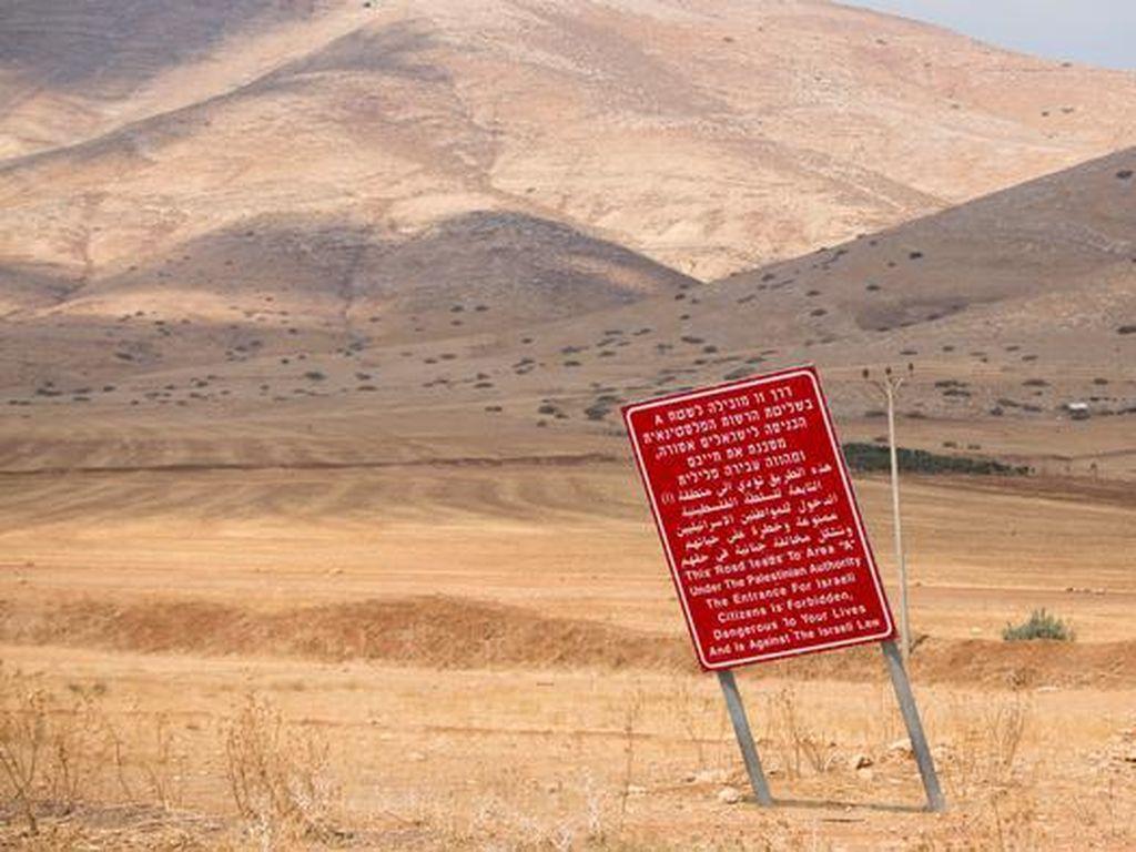 Ribuan Warga Israel Memprotes Rencana Aneksasi Tepi Barat Yordan
