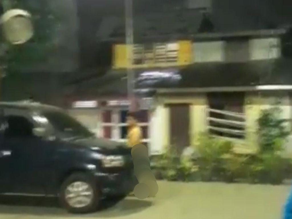 Video Pria Bugil Keluar Hotel di Medan Gegara Diperas Waria