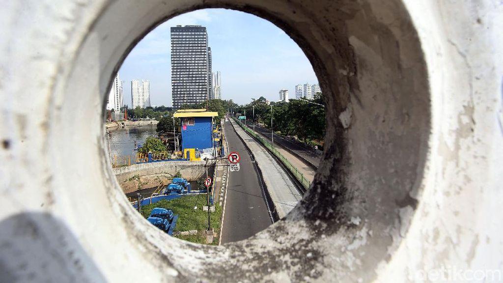 Hari Ini Ruas Jalan di Jakarta Terlihat Lengang