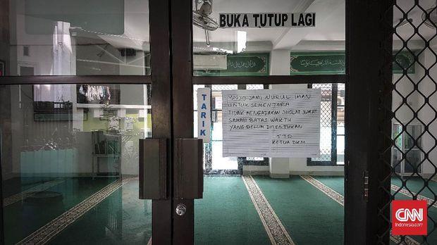 Masjid Jami Nurul Iman, Kota Bekasi sepi dari jemaah selama virus corona mewabah di Indonesia