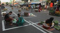 Jaga Jarak di Pasar Tradisional