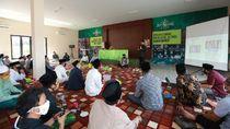 Sambut Bulan Soekarno, Bupati Anas Bagikan Buku Bung Karno ke NU-Pesantren