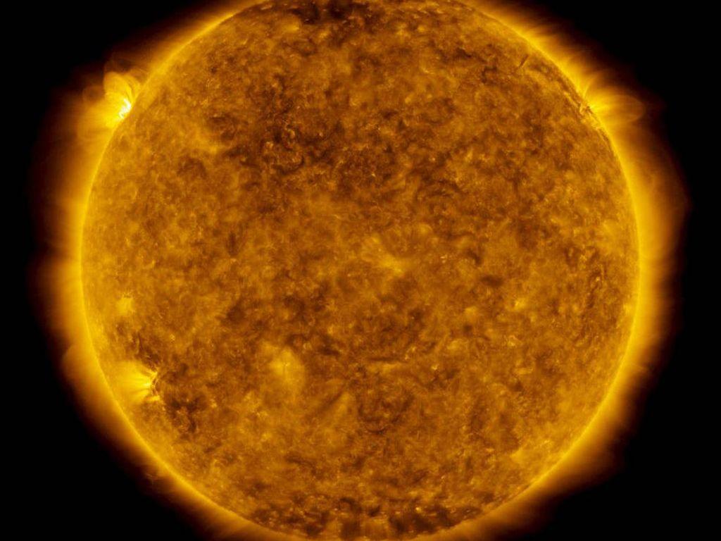 Penampakan Ledakan Besar di Matahari, Pertanda Apa?