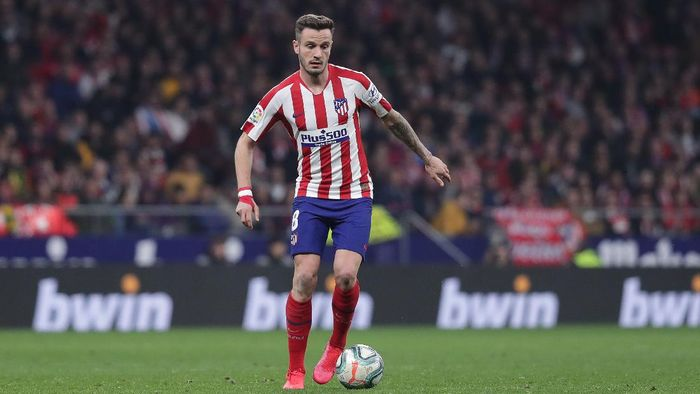 MADRID, SPAIN - FEBRUARY 23: Saul Niguez at controls the ball during the Liga match between Club Atletico de Madrid and Villarreal CF at Wanda Metropolitano on February 23, 2020 in Madrid, Spain. (Photo by Gonzalo Arroyo Moreno/Getty Images)