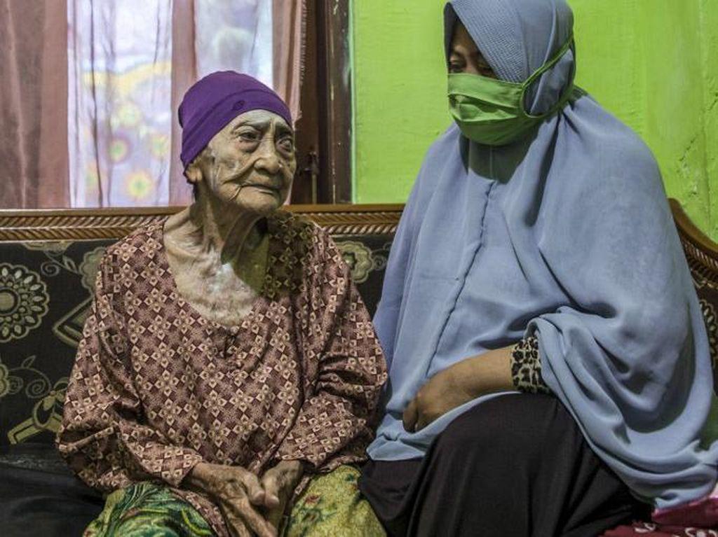 Sembuh COVID-19, Bagaimana Nenek Usia 100 Tahun di Surabaya Bisa Tertular