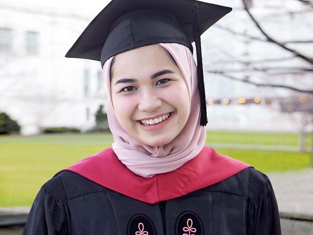 Mau Tau Kisah Perjuangan Nadhira Afifa di Harvard? Simak di Sini