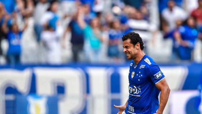 BELO HORIZONTE, BRAZIL - AUGUST 17: Fred #9 of Cruzeiro celebrates a scored goal against Santos during a match between Cruzeiro and Santos as part of Brasileirao Series A 2019 at Mineirao Stadium on August 17, 2019 in Belo Horizonte, Brazil. (Photo by Pedro Vilela/Getty Images)